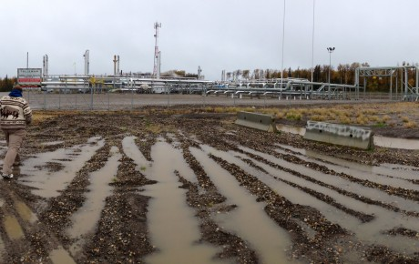 A gas plant that ties into a transmission line